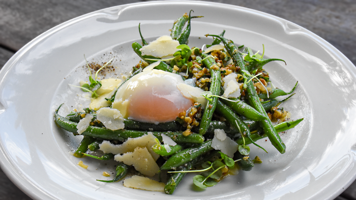 Vegetables with egg, parmesan and walnut